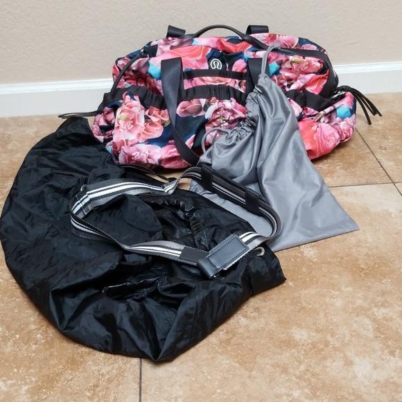 036bd788825 lululemon athletica Handbags - Rare Lululemon secret garden duffle bag